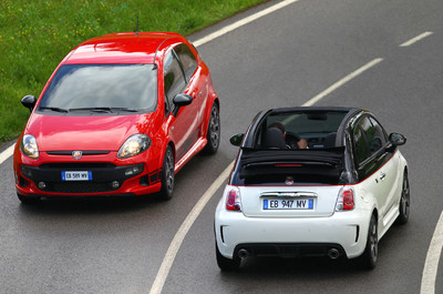 Abarth Punto Evo (links) und Abarth 500 C.