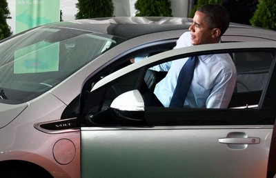 Barack Obama im Chevrolet Volt.