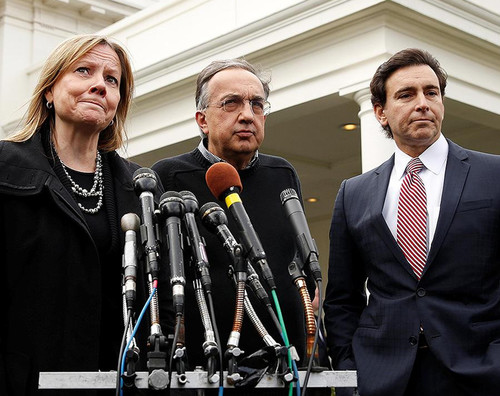 Begeisterung sieht anders aus: von links Mary Barra (General Motors), Sergio Marchionne (Fiat Chrysler Automobiles), Mark Fields (Ford Motor Company) nach dem Gespräch mit Donald Trump.
