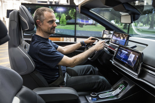 "Das ""Safe Human Interaction Cockpit"" von ZF."