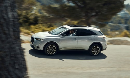 DS 7 Crossback E-Tense 225.