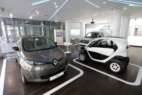 """Electric Vehicle Experience Center"" von Renault in Berlin."