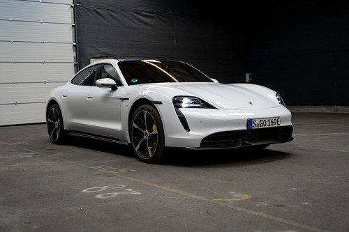 Finalist beim German Car of the Year 2020: Porsche Taycan.