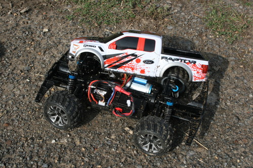 Ford F-150 Raptor von Carrera RC.