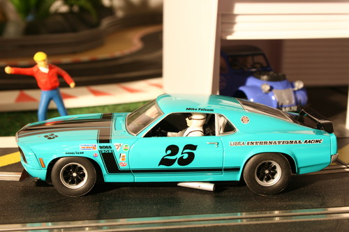 "Ford Mustang Boss 302 ""Libra International Racing"" von Scalextric."