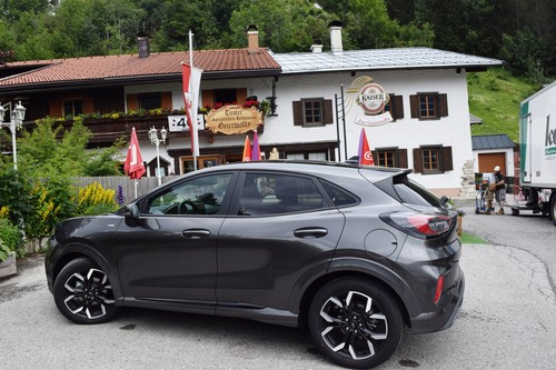 Ford Puma am Gasthof Geierwally.