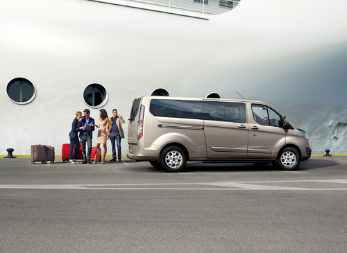Ford Tourneo Custom.