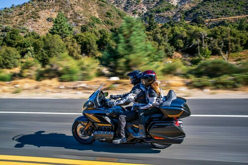 Honda GL 1800 Gold Wing Tour.