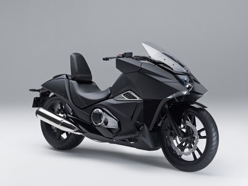 Honda NM4 Vultus.