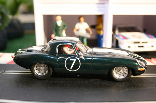 Jaguar E-Type Lightweight von Ninco.