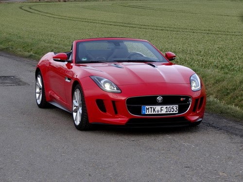 Jaguar F-Type Roadster.