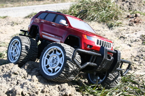 Jeep Grand Cherokee von Carrera RC.