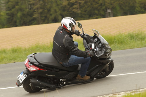 Kymco New Downtown 350i.