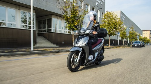 Kymco New People S 125i.