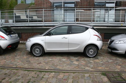 Lancia Ypsilon: Das passt - dank Magic Parking.