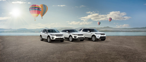 Land Rover Discovery Sport Skyview, Range Rover Evoque Skyview und Land Rover Discovery Skyview (von links).