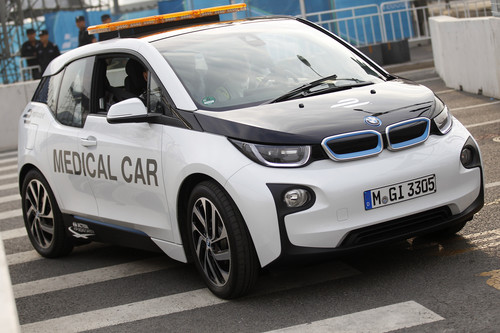 Medical-Car der Formula E: BMW i3.