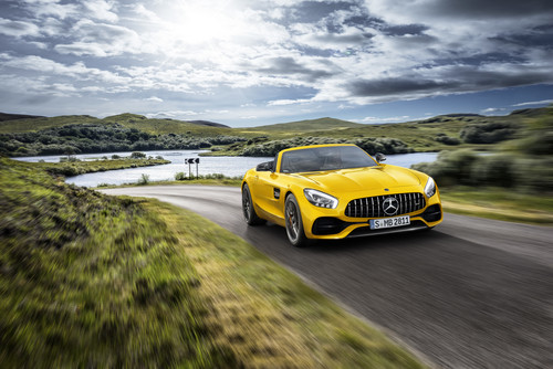 Mercedes-AMG GT S Roadster.