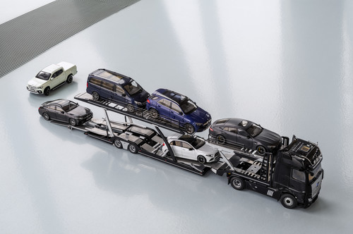 Mercedes-Benz Actros Autotransporter 1:18.