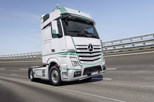 Mercedes-Benz Actros Racing Edition.