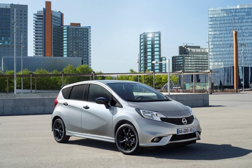 "Nissan Note ""Black Edition""."
