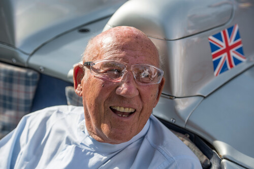 Sir Stirling Moss (17. September 1929 bis 12. April 2020) im Mercedes-Benz 300 SLR (W 196 S) beim Goodwood Festival of Speed 2015.