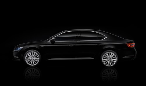 Skoda Superb Black Chrystal.