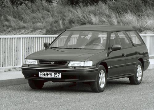 Subaru Legacy Super Station (1993).