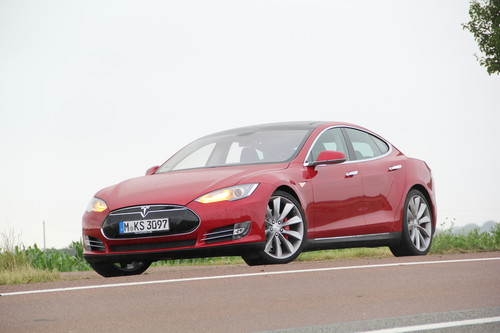 Tesla Model S 85 Performance.