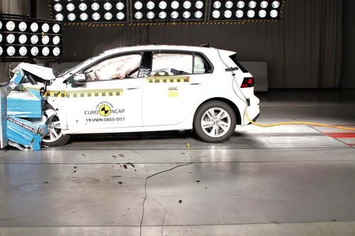VW Golf beim Euro-NCAP-Crashtest.