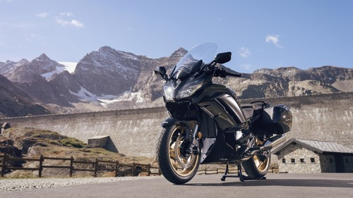Yamaha FJR 1300 Ultimate Edition.
