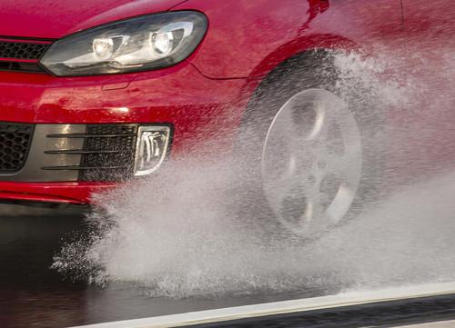 Die Reifen am Auto sind das wichtigste Sicherheitselement.