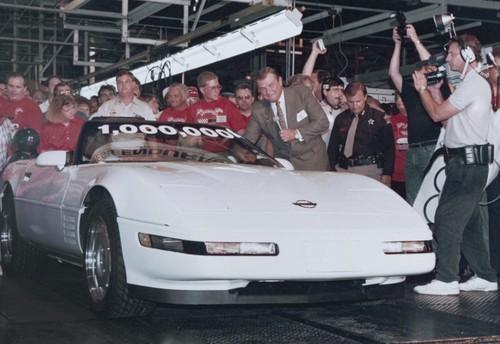 Einmillionste Chevrolet Corvette: So lief sie am 2. Juli 1992 vom Band´.