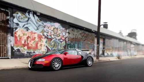Bugatti Veyron 16.4 (2006).
