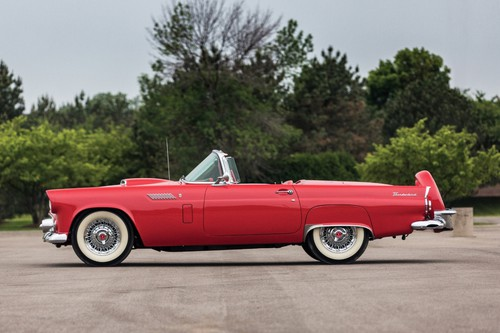 Ford Thunderbird (1956).