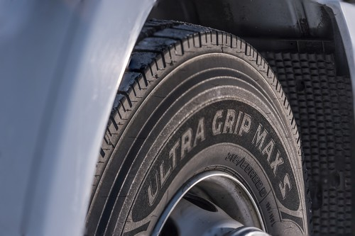Goodyear Ultra Grip Max.