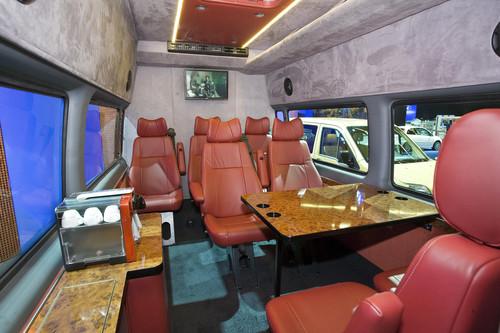 Ford Transit-Historie. Luxus im Ford Transit Clubmobil aus dem Jahr 2008.