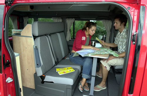 Ford Transit-Historie: Wohnbereich im Ford Nugget.