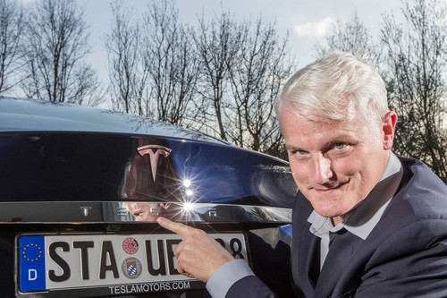 Electrified Woirld Record mit dem Tesla Model S: Michael Willberg.