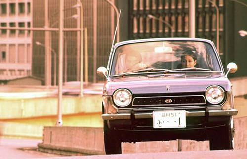Subaru 1000 (1966).