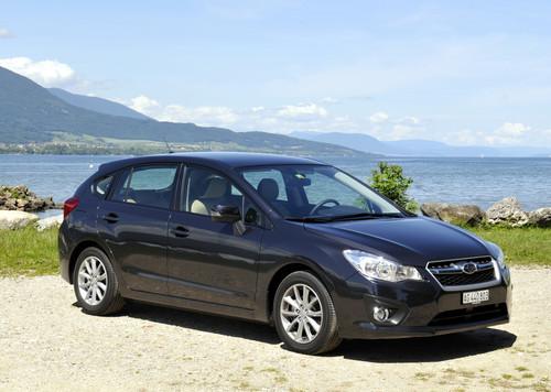 Subaru Imperza (2013).