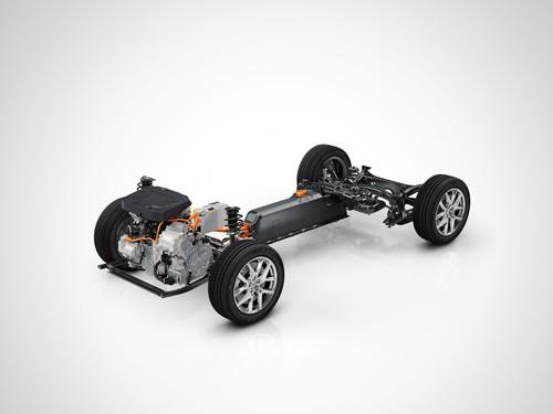 Volvo-Hybridantrieb T5 Twin Engine auf der kompakten Modular-Architektur (CMA).