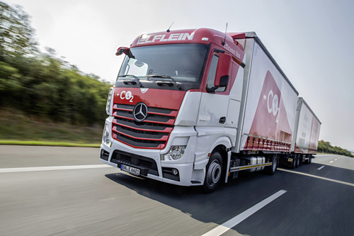 "Mercedes-Benz Actros Lang-Lkw im Praxisversuch ""Efficiency Run 2015""."