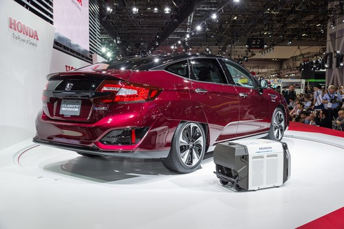 Honda Clarity Fuel Cell.