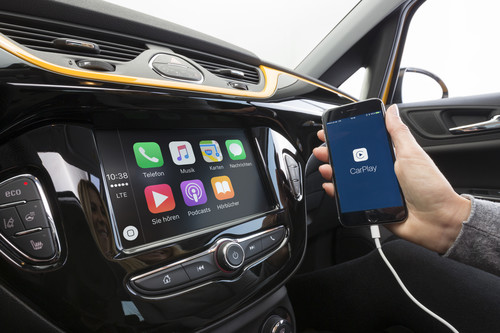 Radio 4.0 Intellilink von Opel.