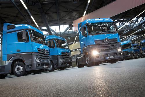 Der 100 000ste neue Actros aus dem Mercedes-Benz Werk Wörth.