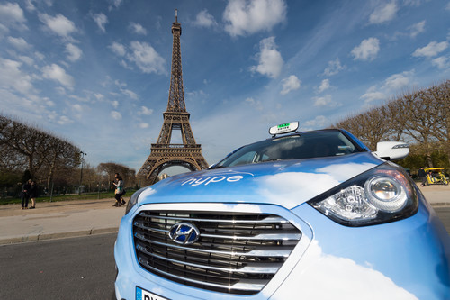 Hyundai ix35 Fuel Cell als Taxi in Paris.