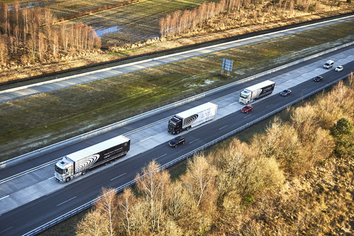 Mit Highway Pilot Connect im Platoon unterwegs: Mercedes-Benz Actros.