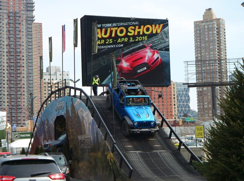New York International Auto-Show 2016.