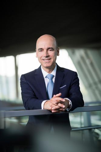 Dr. Nicolas Peter.